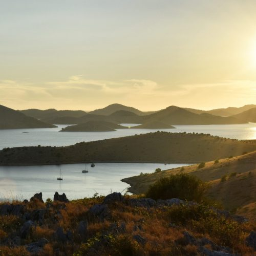 sea-sunset-landscape-ocean-scenery-islands-archipelago-goldenhour-croatia-kornati_t20_LOR0nV
