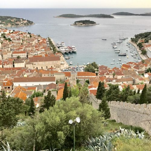 fortress-lookout-over-hvar-old-town_t20_ZVXW3o